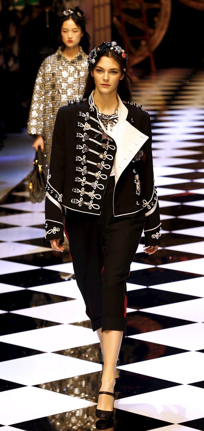 Εικόνες από τo εκπληκτικό σόου των Dolce & Gabbana στο Μιλάνο - εικόνα 7