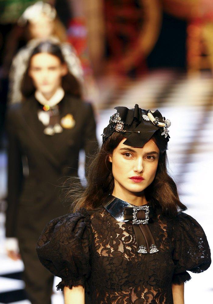 Εικόνες από τo εκπληκτικό σόου των Dolce & Gabbana στο Μιλάνο - εικόνα 9