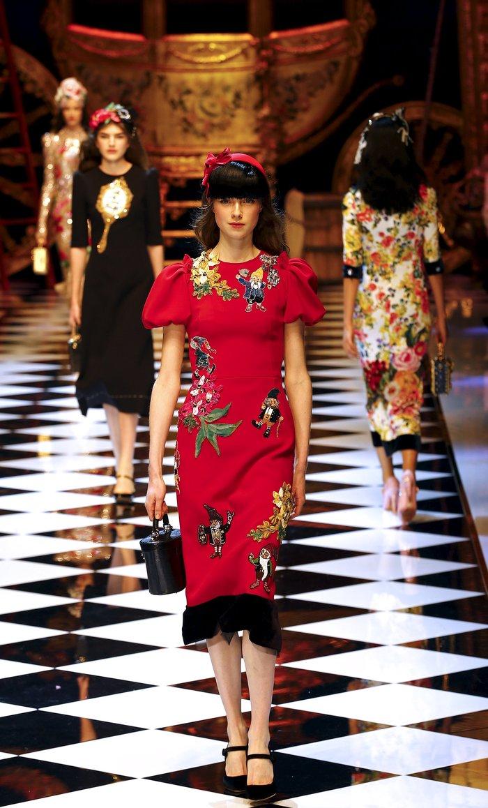 Εικόνες από τo εκπληκτικό σόου των Dolce & Gabbana στο Μιλάνο - εικόνα 14