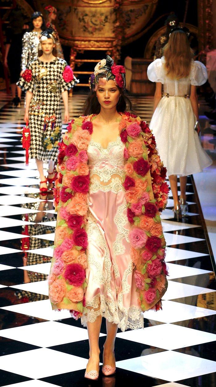 Εικόνες από τo εκπληκτικό σόου των Dolce & Gabbana στο Μιλάνο - εικόνα 15
