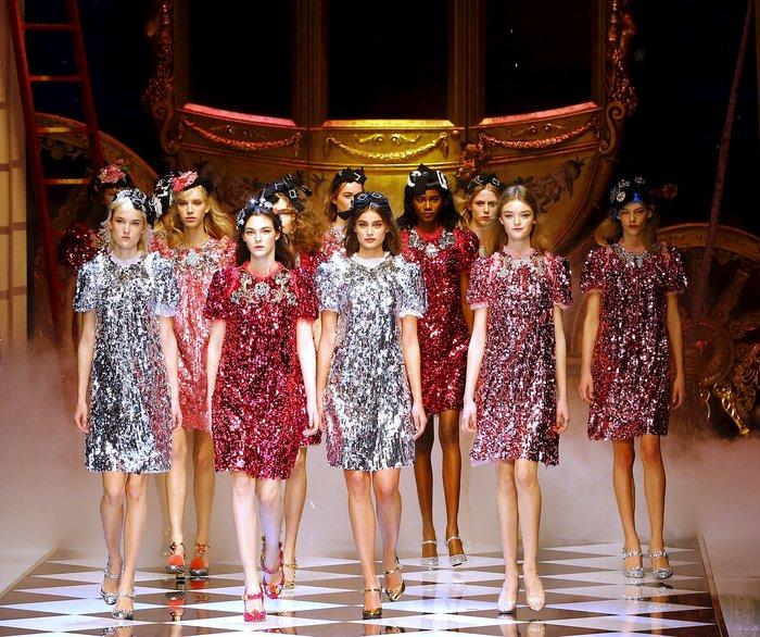 Εικόνες από τo εκπληκτικό σόου των Dolce & Gabbana στο Μιλάνο - εικόνα 20