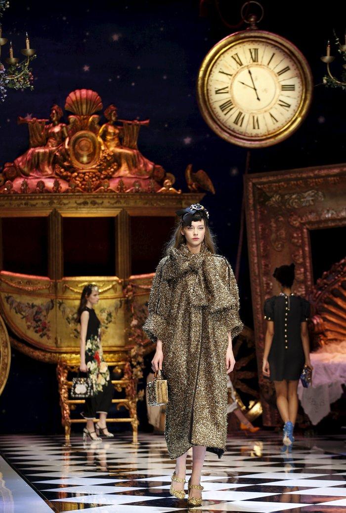 Εικόνες από τo εκπληκτικό σόου των Dolce & Gabbana στο Μιλάνο - εικόνα 3