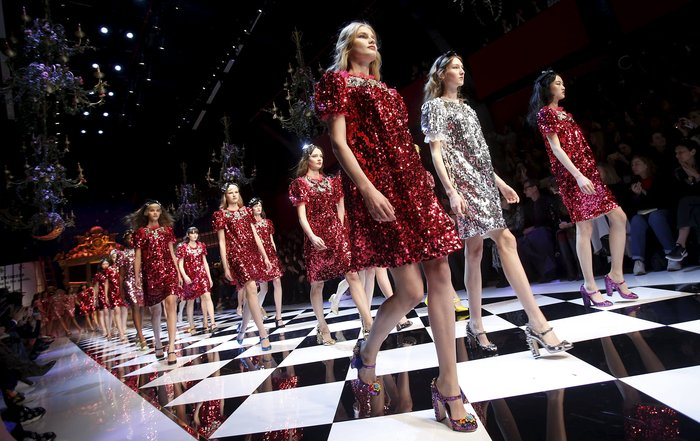 Εικόνες από τo εκπληκτικό σόου των Dolce & Gabbana στο Μιλάνο - εικόνα 22