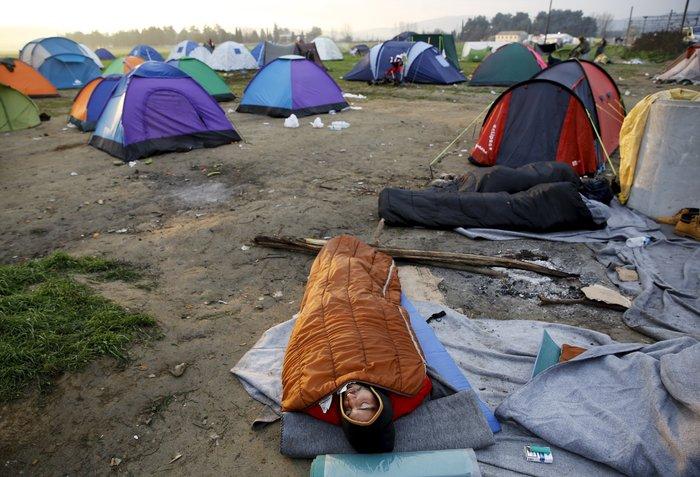 Χάος με τους πρόσφυγες, κατάσταση έκτακτης ανάγκης - εικόνα 2