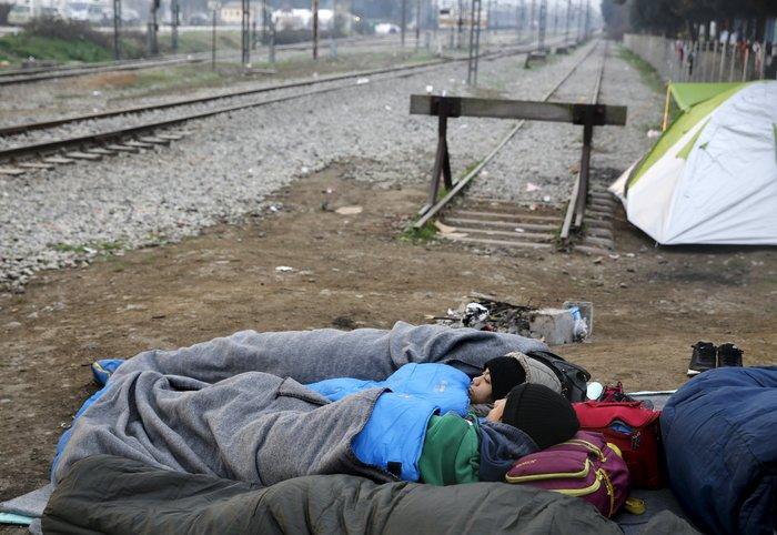 Χάος με τους πρόσφυγες, κατάσταση έκτακτης ανάγκης - εικόνα 3