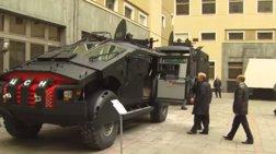 Ο Πούτιν επιθεωρεί τα «Batmobiles» του ρωσικού στρατού