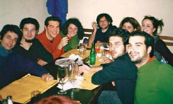 (O Νίκος Καρανίκας (πρώτος από αριστερά), δίπλα στους Γαβριήλ Σακελλαρίδη και Αλέξη Τσίπρα)