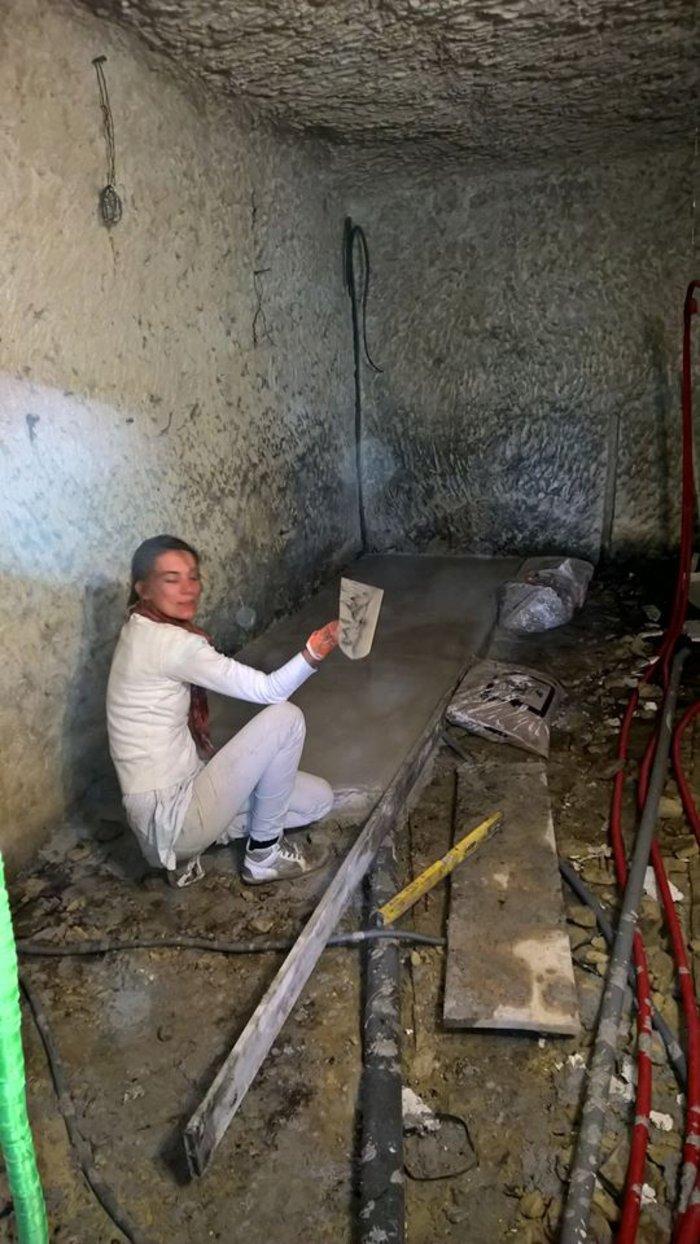 Ανεργος αγόρασε σπήλαιο 1€ και το έκανε παλάτι - εικόνα 5