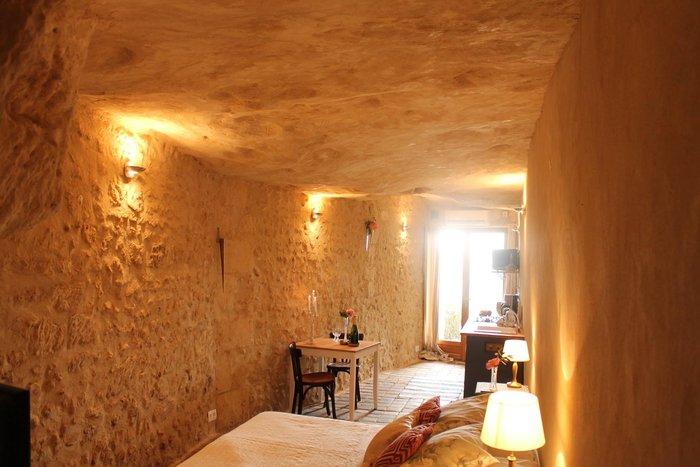 Ανεργος αγόρασε σπήλαιο 1€ και το έκανε παλάτι - εικόνα 13