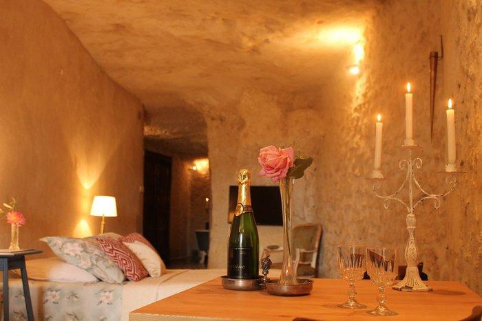 Ανεργος αγόρασε σπήλαιο 1€ και το έκανε παλάτι - εικόνα 14