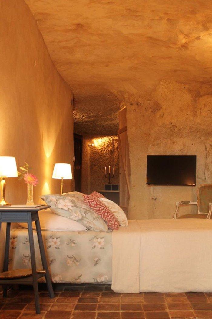 Ανεργος αγόρασε σπήλαιο 1€ και το έκανε παλάτι - εικόνα 17