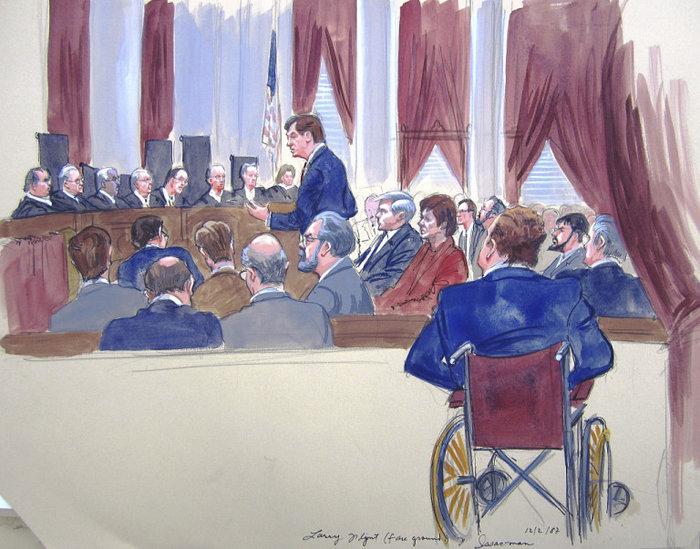 Λάρι Φιλντ στη δίκη του Χάστλερ