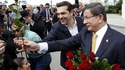o-tsipras-moiraze-louloudia-kai-o-suriza-twra-kataggelei-tin-tourkia