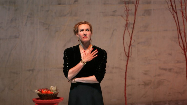 to-stanford-repertory-theater-anebazei-klutaimnistra