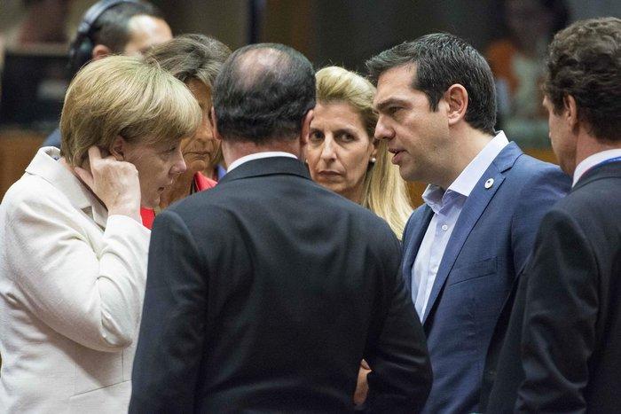 Αλέξης Τσίπρας, Φρανσουά Ολάντ και Άνγκελα Μέρκελ κατά τη διάρκεια παλαιότερης Συνόδου Κορυφής