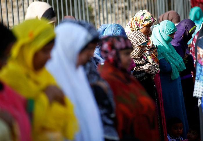 Προσευχή χιλιάδων μουσουλμάνων μπροστά στο Κολοσσαίο της Ρώμης - εικόνα 5
