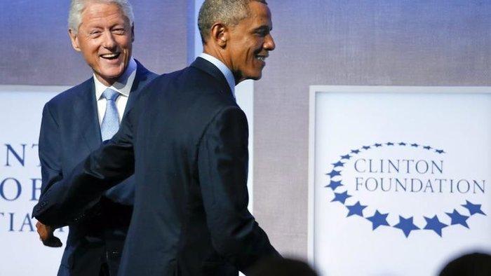 RT: Ο ρόλος Ομπάμα και Κλίντον στην υπογραφή του 3ου μνημονίου