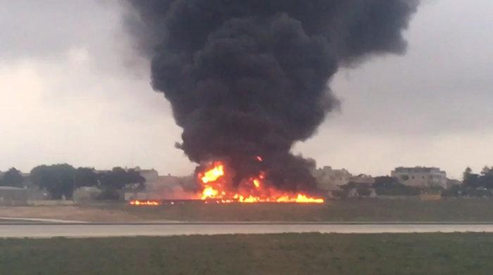 Η σοκαριστική στιγμή της συντριβής του αεροσκάφους στη Μάλτα - εικόνα 2