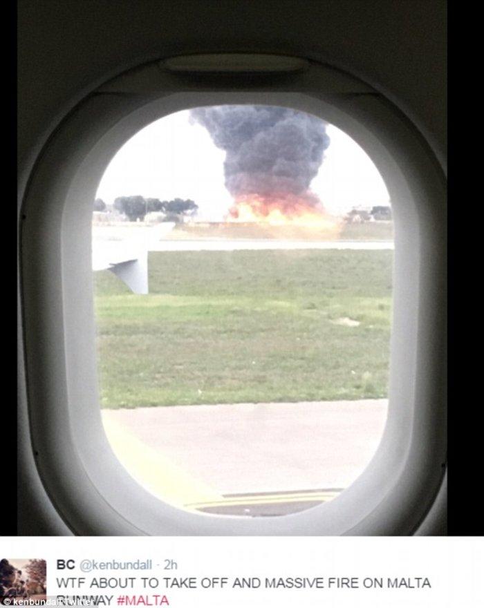 Η σοκαριστική στιγμή της συντριβής του αεροσκάφους στη Μάλτα - εικόνα 3