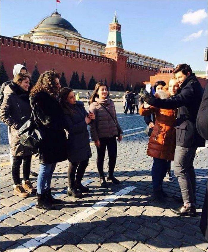 Πανικός για μια selfie με τον Ρουβά στη Μόσχα - Δείτε πού μένει - εικόνα 2
