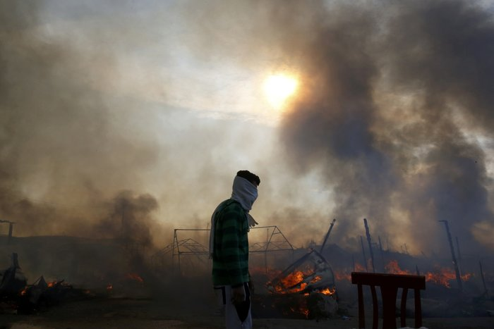 Το τέλος της «ζούγκλας» του Καλαί-Στις φλόγες ο καταυλισμός - φωτό -