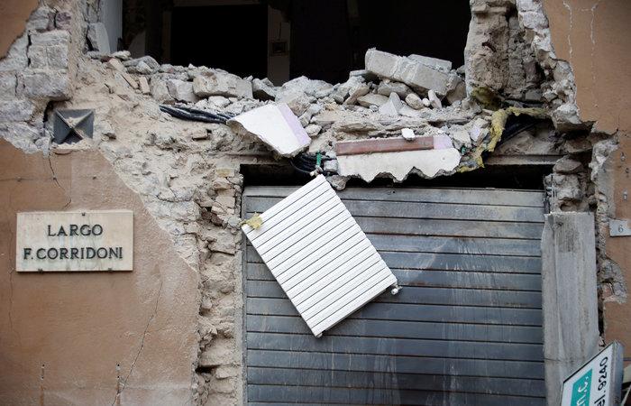 Τρόμος στην Ιταλία με 200 μετασεισμούς και χιλιάδες άστεγους - εικόνα 6