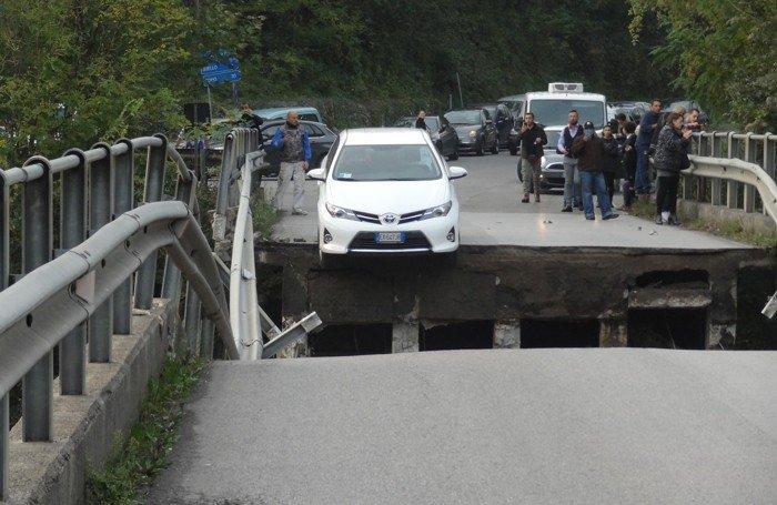 Τραγωδία στην Ιταλία από κατάρρευση ανισόπεδου κόμβου - εικόνα 3