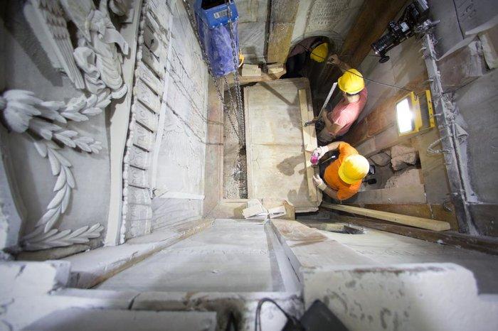 Παγκόσμιο ενδιαφέρον: Οι Ελληνες επιστήμονες που άνοιξαν τον Πανάγιο Τάφο