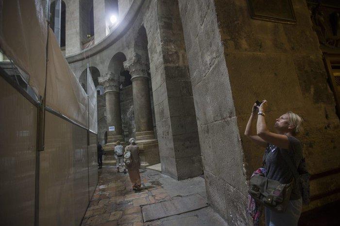 Παγκόσμιο ενδιαφέρον: Οι Ελληνες επιστήμονες που άνοιξαν τον Πανάγιο Τάφο - εικόνα 6