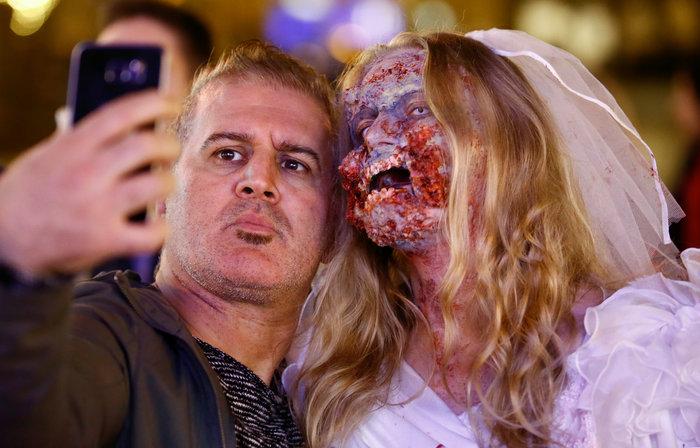 Halloween  α λα Γερμανικά: Τα ζόμπι βγήκαν παγανιά - εικόνα 2