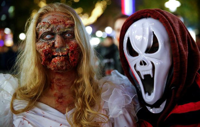 Halloween  α λα Γερμανικά: Τα ζόμπι βγήκαν παγανιά - εικόνα 7