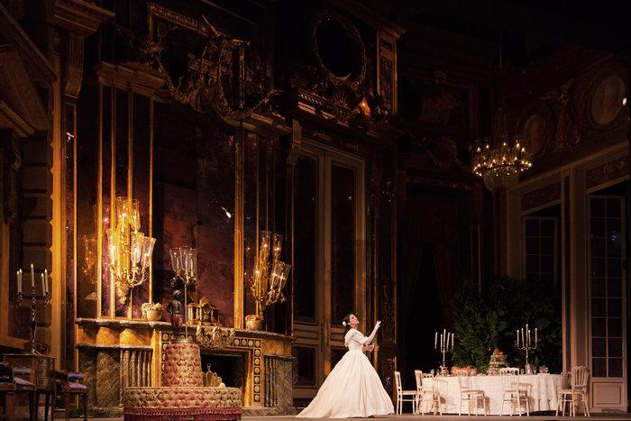 Τραβιάτα στο Μέγαρο: Η όπερα που ξεκίνησε ως φιάσκο κι αγαπήθηκε όσο καμία