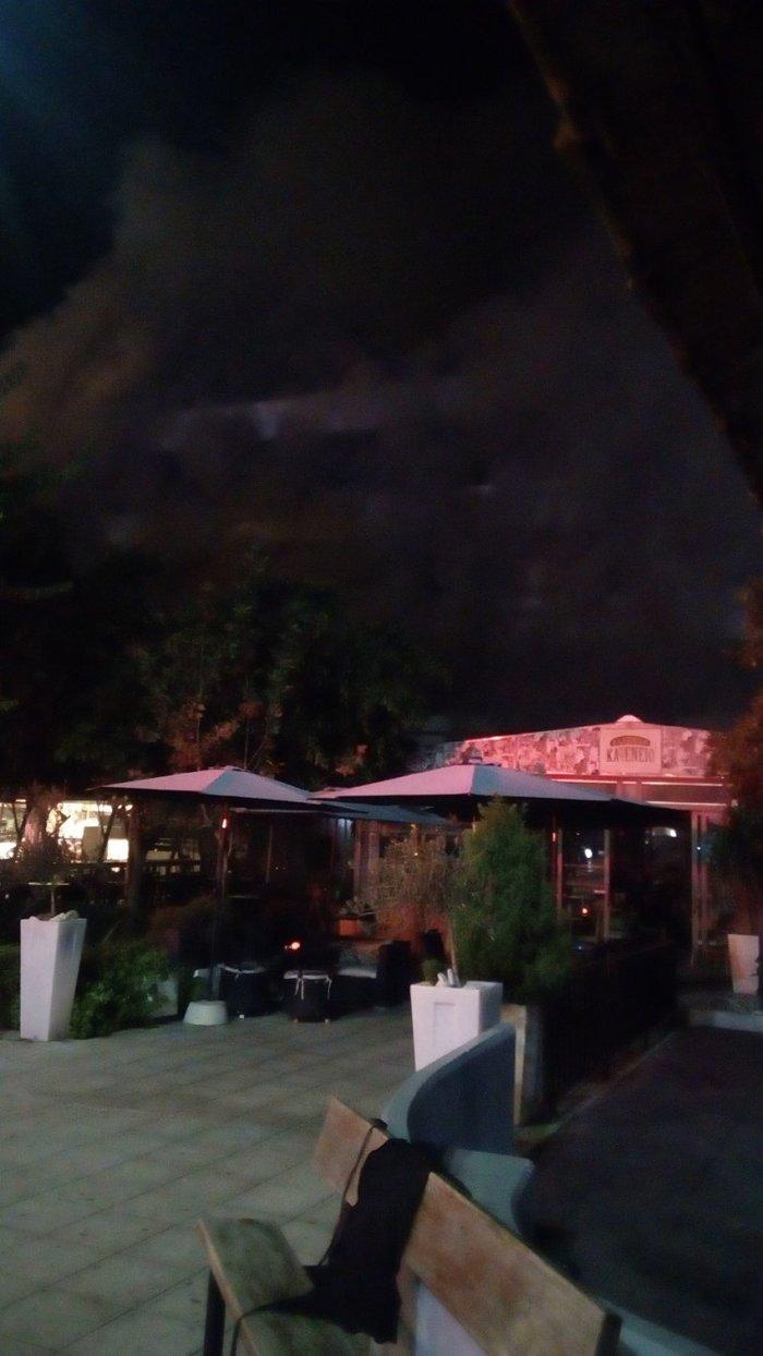 Τέσσερις τραυματίες από τη φωτιά σε πιτσαρία στα Χανιά [ΕΙΚΟΝΕΣ-ΒΙΝΤΕΟ] - εικόνα 5