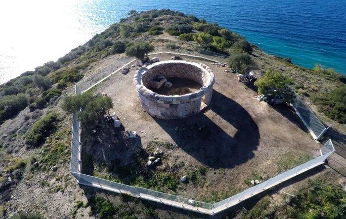 Στο κοινό παραδίδεται το ταφικό μνημείο στις Κολόνες Σαλαμίνας