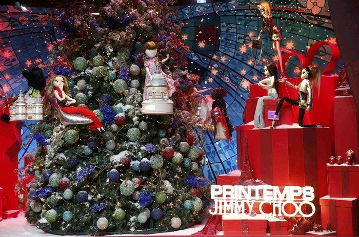 Η Ούμα Θέρμαν φέρνει τα Χριστούγεννα στο κατάστημα Printemps του Παρισιού - εικόνα 4