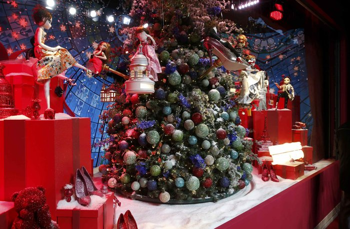 Η Ούμα Θέρμαν φέρνει τα Χριστούγεννα στο κατάστημα Printemps του Παρισιού - εικόνα 6