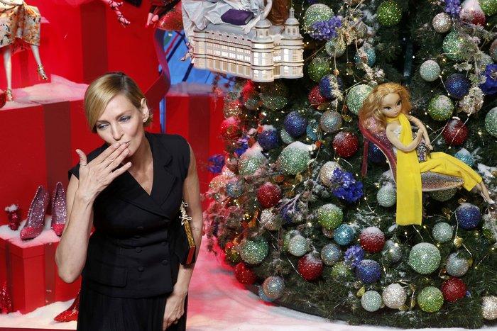 Η Ούμα Θέρμαν φέρνει τα Χριστούγεννα στο κατάστημα Printemps του Παρισιού - εικόνα 7