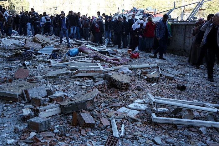 Βομβιστική επίθεση στο κέντρο του Ντιγιάρμπακιρ - εικόνα 3