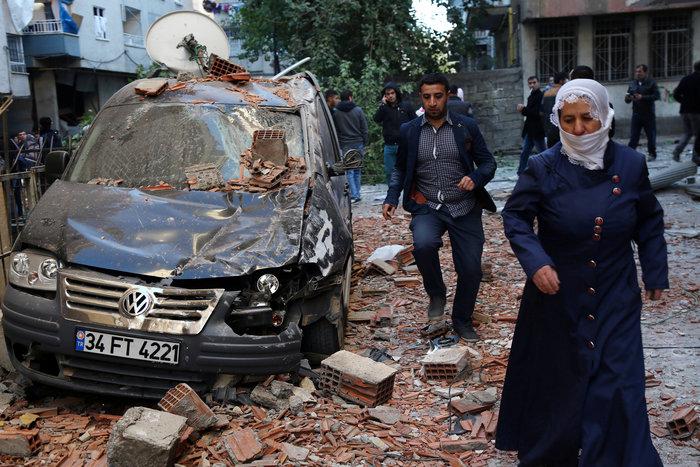 Βομβιστική επίθεση στο κέντρο του Ντιγιάρμπακιρ - εικόνα 5