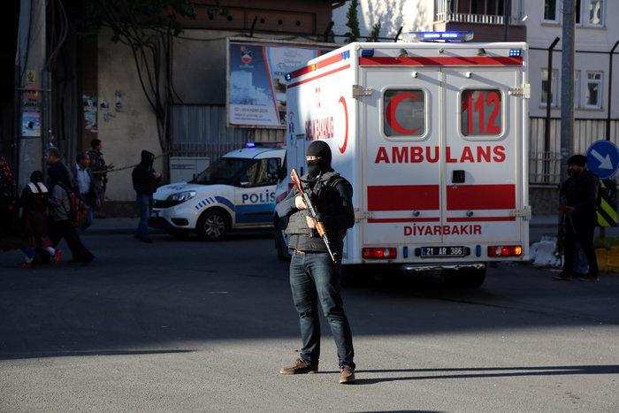 Βομβιστική επίθεση στο κέντρο του Ντιγιάρμπακιρ - εικόνα 8