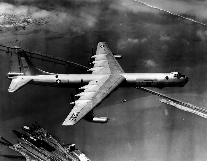 Διηπειρωτικό αεροσκάφος B 36, σαν και αυτό που συνετρίβη στον Καναδά