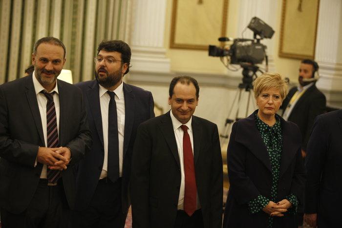 Η ορκωμοσία της νέας κυβέρνησης. Πηγαδάκια & δηλώσεις υπουργών - εικόνα 4