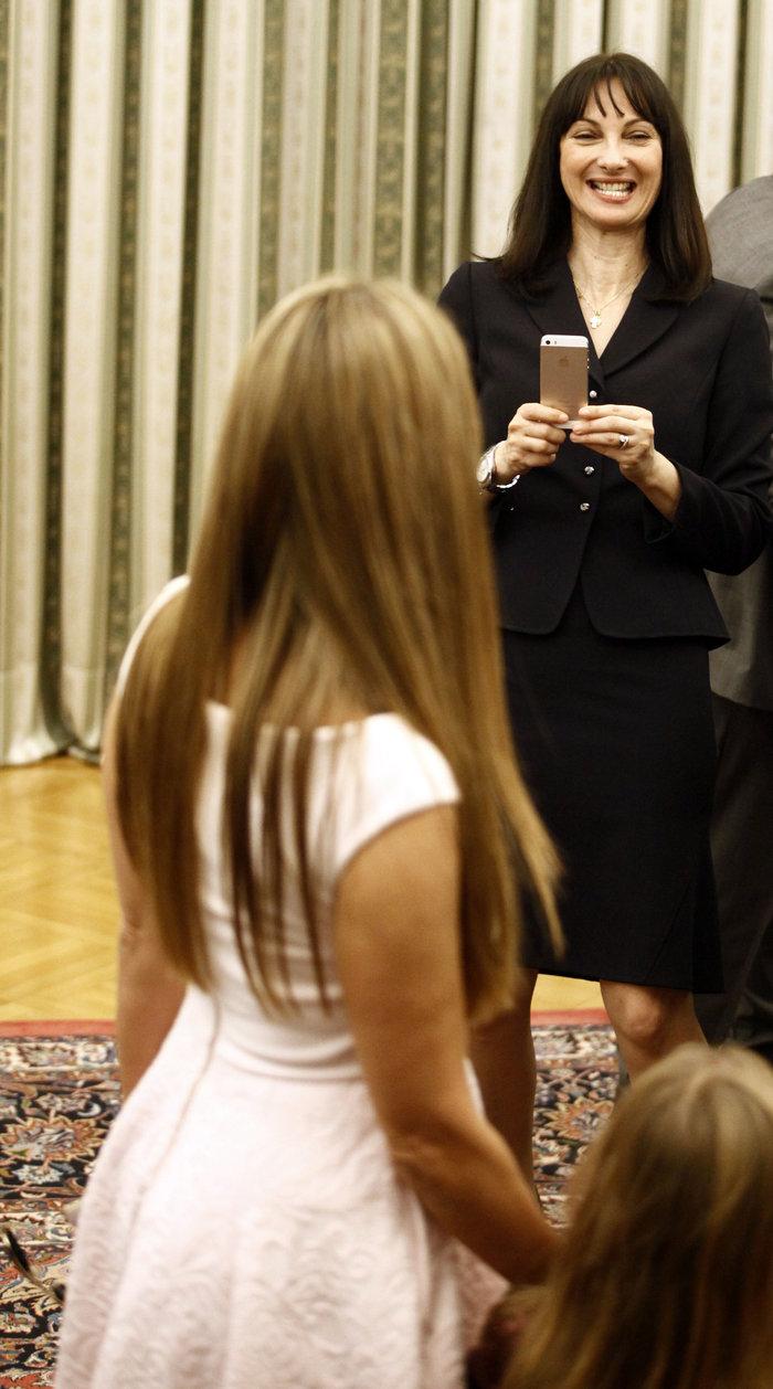 Oι αγκαλιές & οι selfies στο Προεδρικό Mέγαρο - εικόνα 11