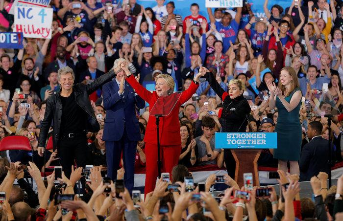 """Ψηφίζουν οι Αμερικανοί, τα """"κλειδιά"""" που θα κρίνουν τον νικητή"""