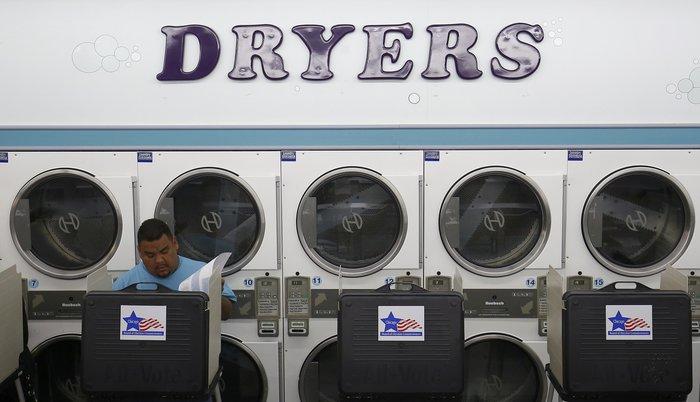 Οι Αμερικανοί στις κάλπες, ακόμη και σε... πλυντήρια! - εικόνα 9