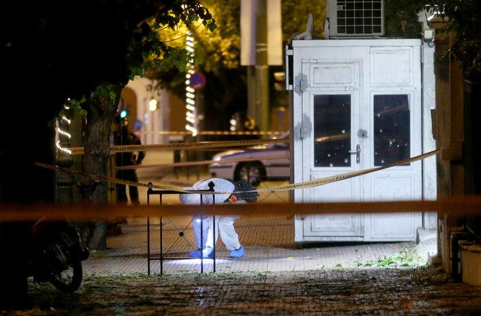Επίθεση με χειροβομβίδα στη γαλλική πρεσβεία-τραυματίστηκε αστυνομικός - εικόνα 12
