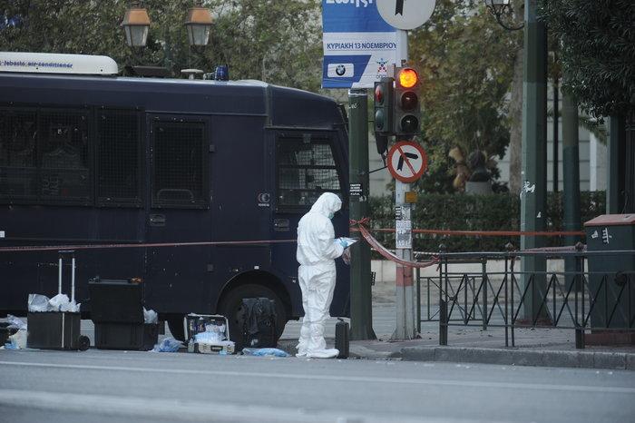 Επίθεση με χειροβομβίδα στη γαλλική πρεσβεία-τραυματίστηκε αστυνομικός - εικόνα 8