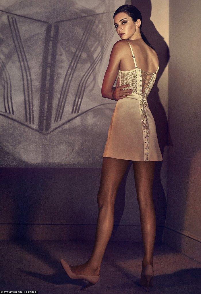 Η Κένταλ Τζένερ πρωταγωνιστεί σε φεμινιστική διαφήμιση εσωρούχων - εικόνα 6