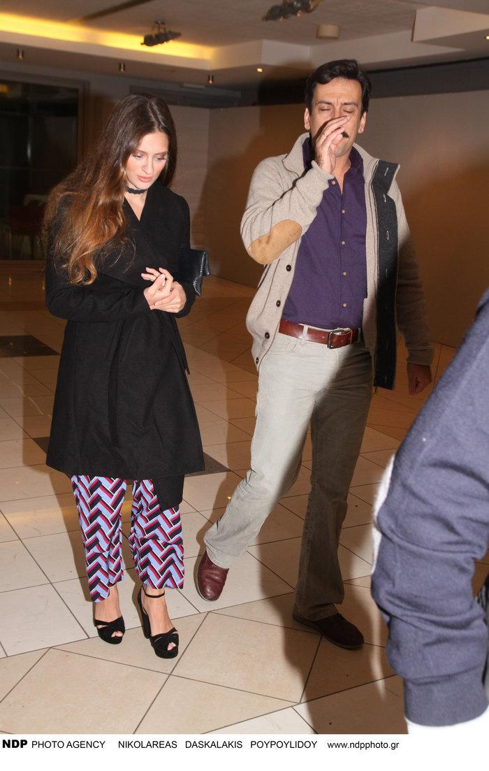 Η σπάνια εμφάνιση του Τόνι Σφήνου με την όμορφη σύζυγό του [Εικόνα]