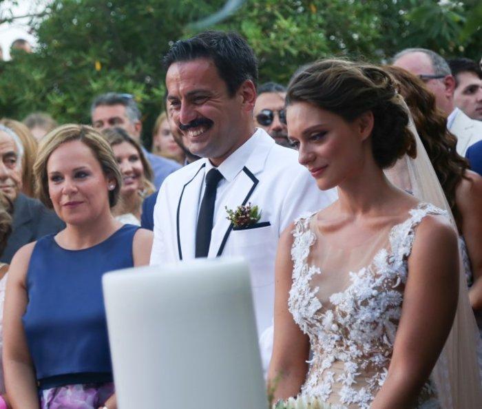 Η σπάνια εμφάνιση του Τόνι Σφήνου με την όμορφη σύζυγό του [Εικόνα] - εικόνα 4